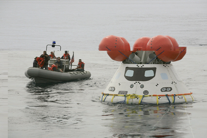 Orion spacecraft water recovery exercise