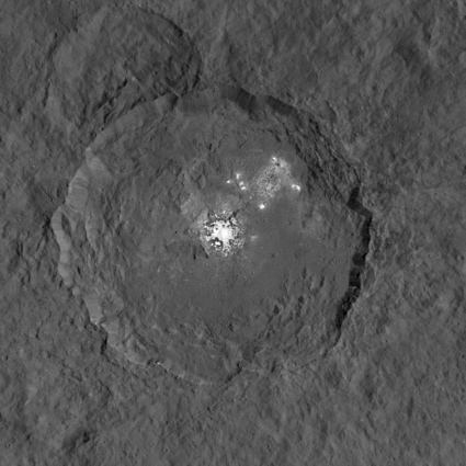 Dawn image of Ceres bright spots